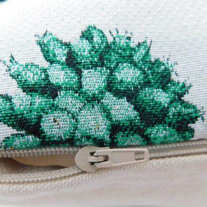 Fata de perna decorativa cactusi infloriti