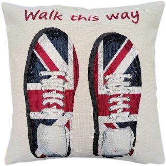 Fete de perne decorative, Walk this way