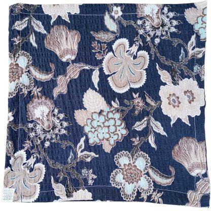 Fete de perne din bumbac creponat, albastru inchis, cu flori 45cm x 45cm